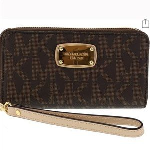 Michael Kors Jet Set Phone Wallet Wristlet